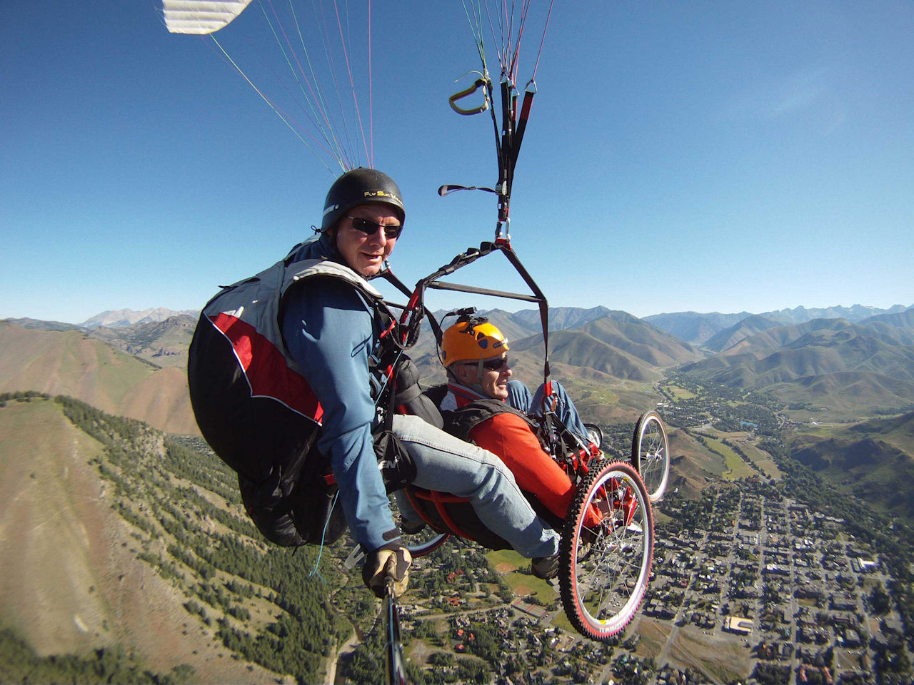 Paragliding no problem for LiveAbility SA.